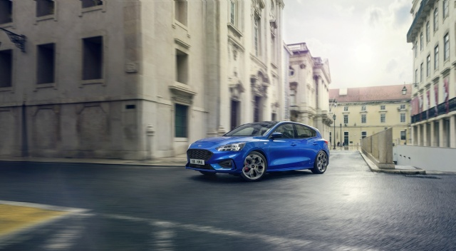 FORD 2018 FOCUS ST-LINE  01